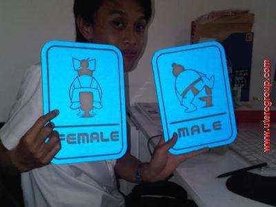 toilet sign acrilic/mika